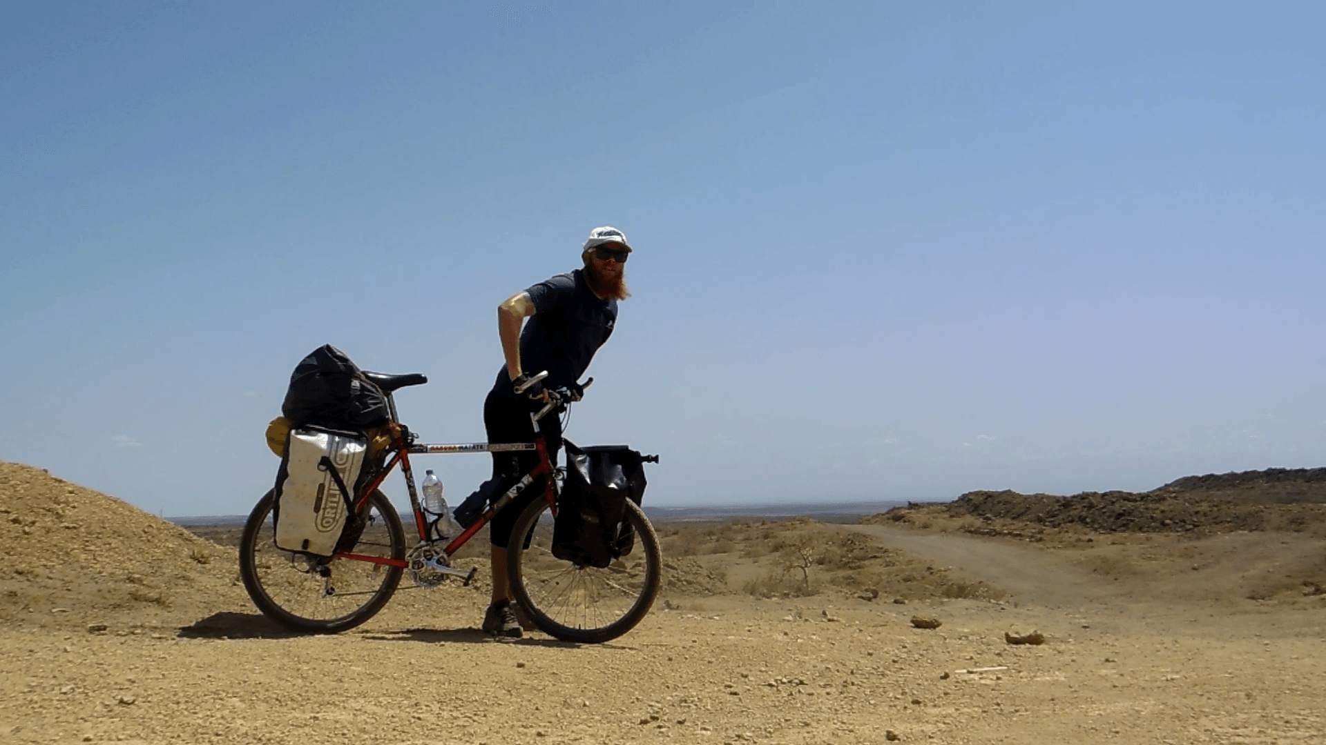 Cycle Across Africa - One Year From Cape Town to Cairo